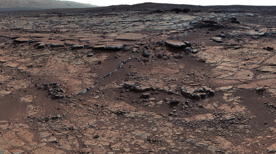 Apparent lakebed on Mars