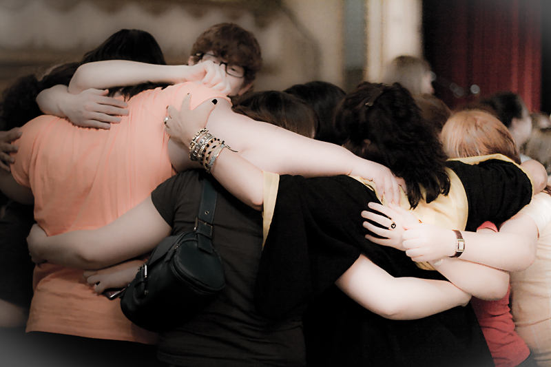 Hugs by Julie Mc Leod / Flickr