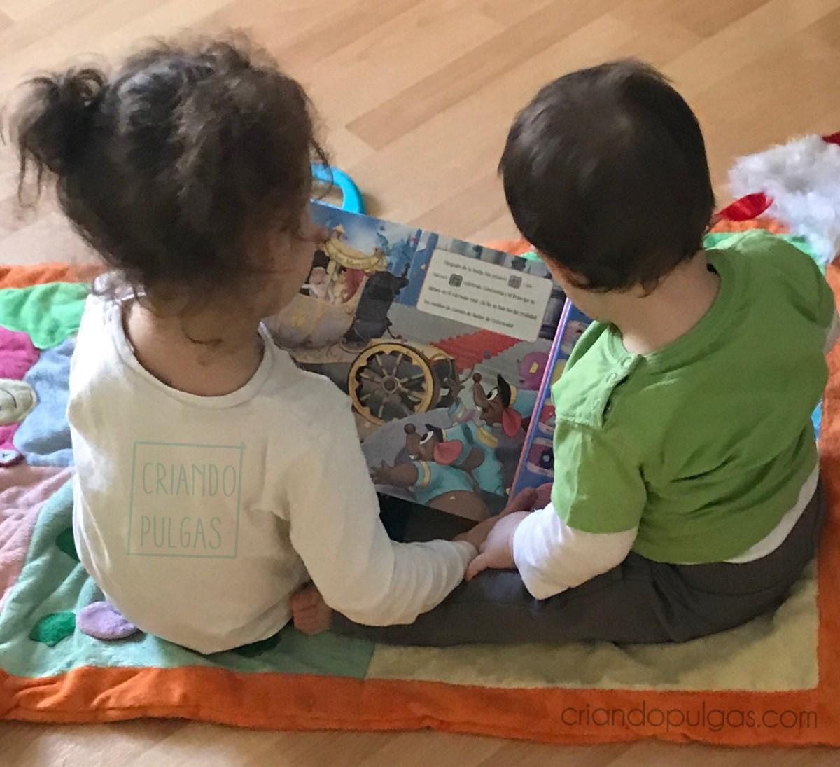 Momentos amorosos entre hermanos