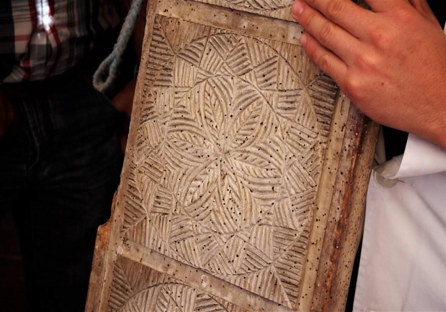 Madera antigua tallada