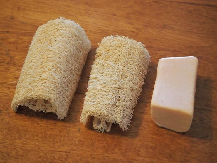Estropajos de lufa y jabón natural