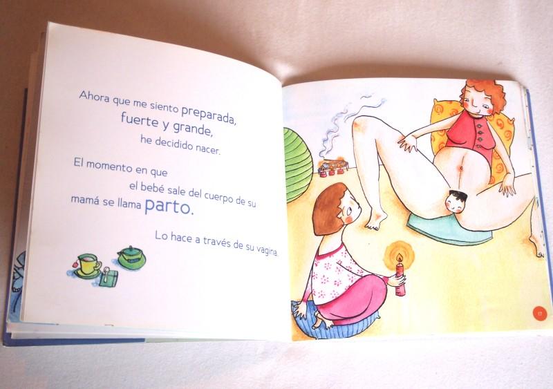 """Pagina de """"Nace Eugenia"""" donde se ve la cabeza de un bebe saliendo por la vagina"""