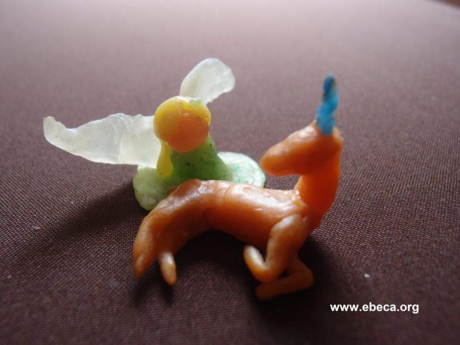 Un hada y un unicornio estilo wardorf