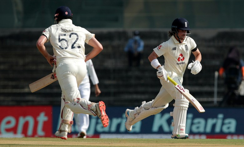 England openers Wearing Black armbands in Chennai