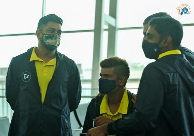 सीएसके के खिलाड़ी यूएई के लिए रवाना, आईपीएल 2021