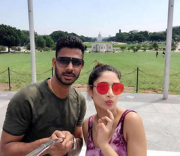 manoj tiwary and wife Susmita