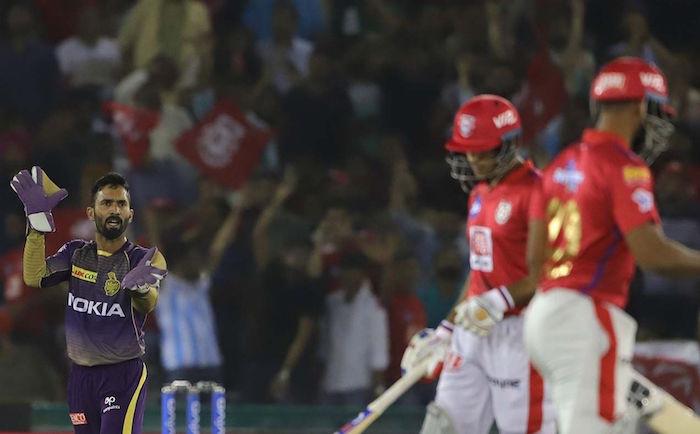 Dinesh Karthik loses cool
