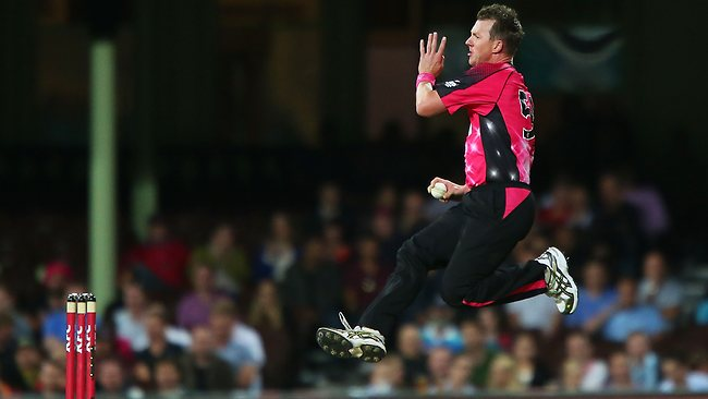 Brett Lee's Career Comes to an end with a great final over in Big Bash League (BBLT20 Final)