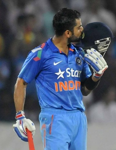 Virat Kholi Century Against Pakistan in ICC Cricket World Cup 2015