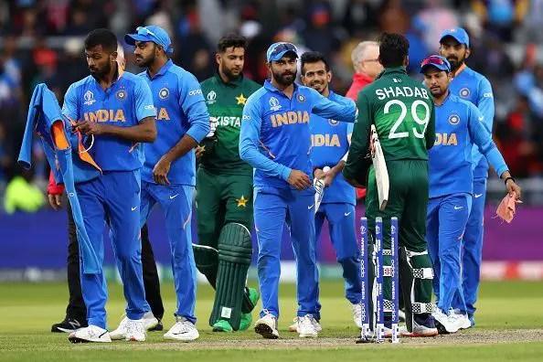 भारत और पाकिस्तान मैच के बाद दोनों टीमों के खिलाड़ी