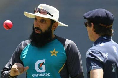 Misbah-ul-Haq talks about his plan for Steven Smith