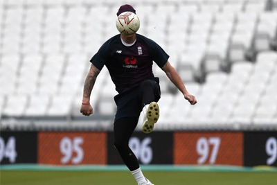 England bans football warm-ups 1