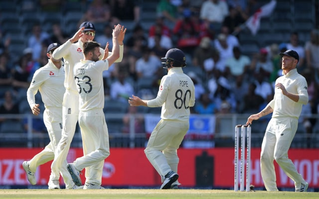 South Africa struggling on 88 for 6 after Mark Wood Strikes