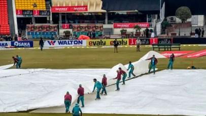 3rd T20I abandoned, Pakistan still top 1 in T20I rankings, Umar Gul receives award 1