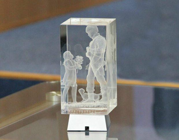 3D-копия памятника Вежливым людям