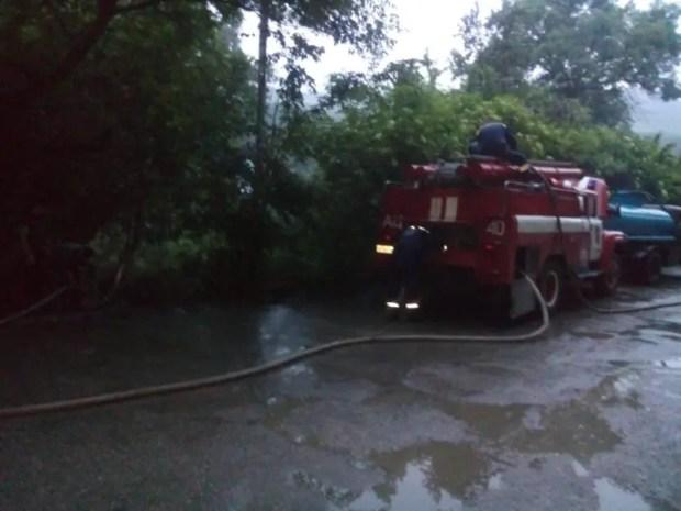 Крым: стихия испытывает спасателей и коммунальщиков
