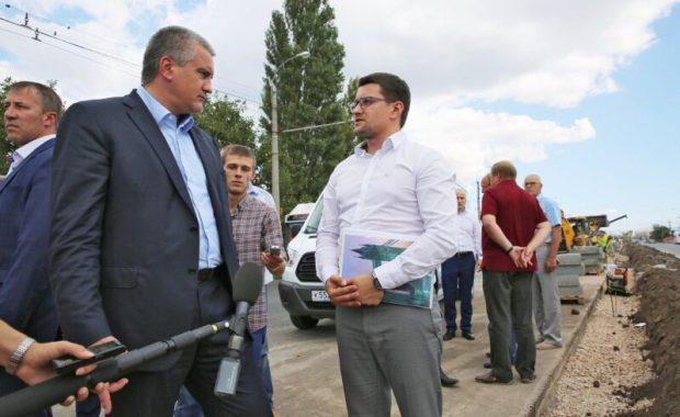 В причинах пробок на дорогах Симферополя разбирался глава Крыма