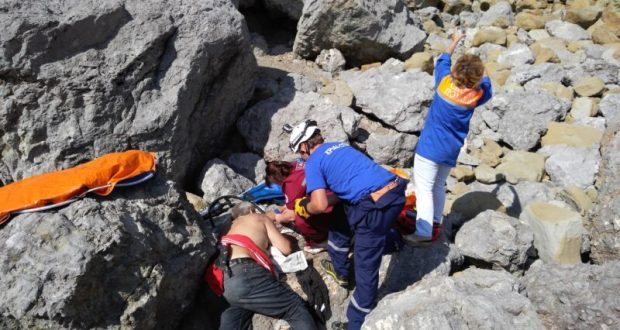 Под Судаком нижегородец сорвался со скалы. «КРЫМ-СПАС» пришел на помощь