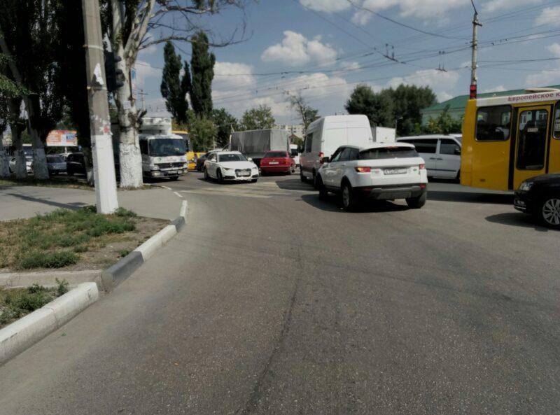 Автомобильные пробки в Симферополе сегодня