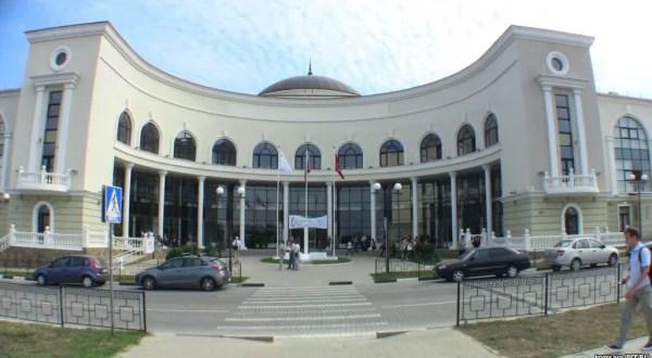 Правительство Севастополя просчитывает вариант переезда