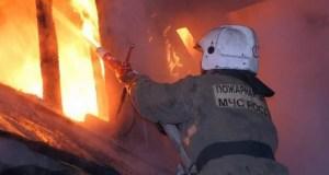 На пожаре в крымском селе Цветочное едва не погибла женщина