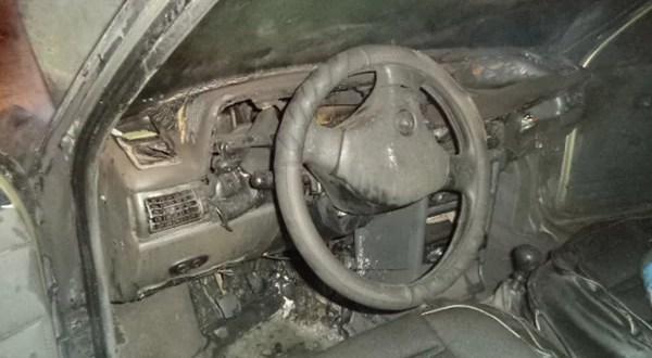 В Симферополе средь бела дня сгорел автомобиль