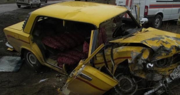 ДТП в Джанкойском районе. Спасатели вырезали людей из салона «Жигулей»