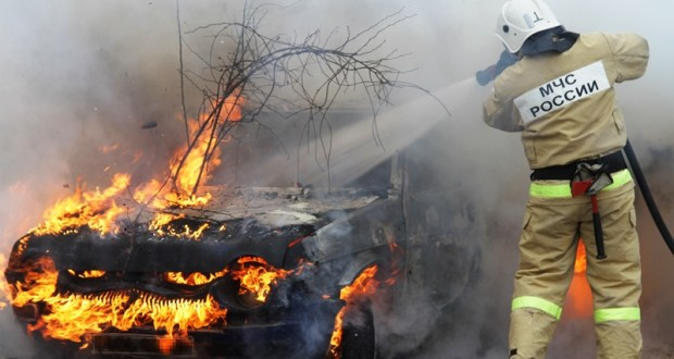 В Севастополе, на ул. Пугачева сгорел автомобиль