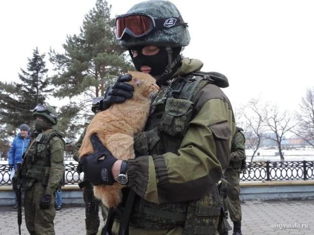 """""""Вежливые люди"""". И кот :-)"""