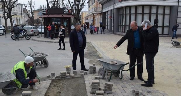 реконструкцию центра Симферополя