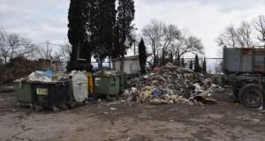 Долг ялтинцев за сбор и вывоз мусора угрожающе растет