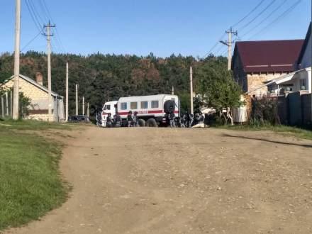 В Строгановке под Симферополем обыскивали дом меджлисовца