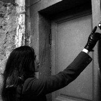 """В Севастополе орудуют мошенники: воруют деньги из квартир под предлогом """"проверки окон"""""""