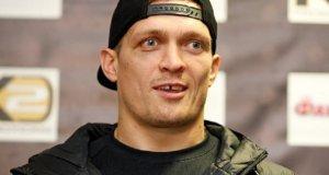 Крымский боксер Александр Усик готов ехать в Москву, но под украинским флагом