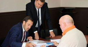 Председатель Госкомрегистра РК провёл личный приём в Судакском городском отделе комитета