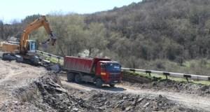В Севастополе начали ремонт разрушенного оползнем участка трассы