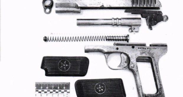 В Керчи молодой человек разгуливал подшофе да с пистолетом