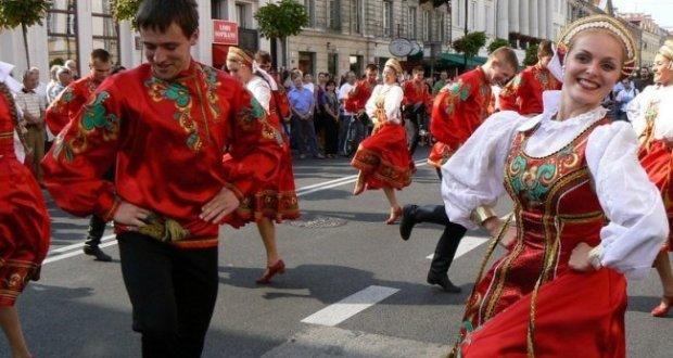 """12 июня в Ялте - флешмоб """"Русь танцевальная - 2017"""""""