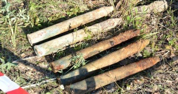В окрестностях 35-ой батареи в Севастополе пиротехники обнаружили склад боеприпасов