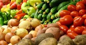 Цены на овощи в курортных городах и поселках напрягли главу Крыма