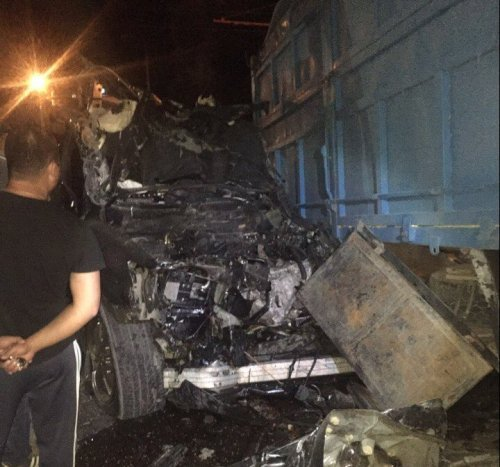 ДТП в Симферополе: Lexus разбился вдребезги, въехав в грузовик. Водитель погиб