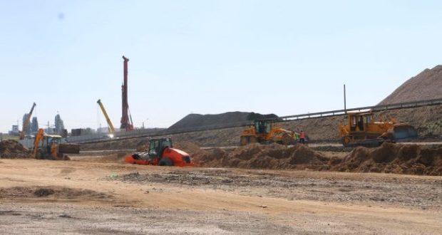 Евпаторийское шоссе власти Крыма подумывают разгрузить, пустив грузовики через пгт. Гвардейское