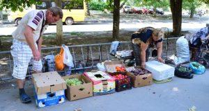Товары нелегальных торговцев в Симферополе отправляют на утилизацию