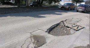 Власти Севастополя обещают в ближайшие три года отремонтировать едва ли не все дороги