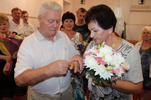 60 лет вместе: ялтинцы отметили бриллиантовую свадьбу