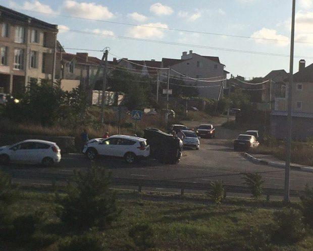 ДТП в Крыму: 5 сентября. Пешеходы перед авто бегали и падали, а водители сбивали их на обочинах