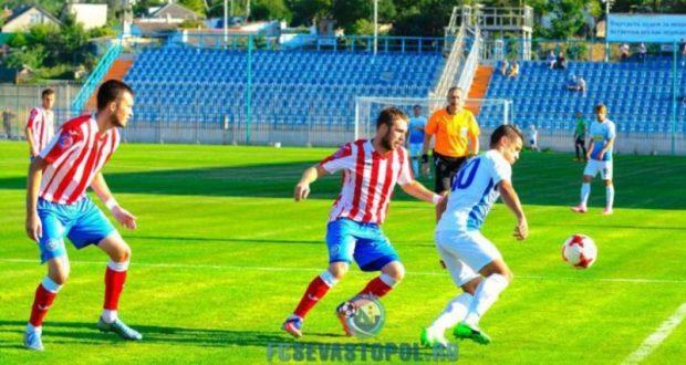 Завершился 3-й тур Чемпионата Премьер-лиги Крымского футбольного союза. В таблице двоевластие