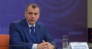 Спикер крымского парламента Владимир Константинов посоветовал Собчак «не ляпать языком»