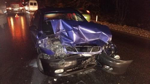 ВРовно автомобиль въехал востановку социального транспорта, есть пострадавшие