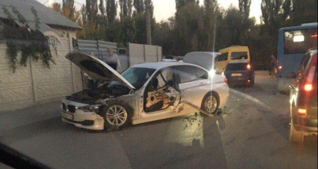 ДТП в Крыму: 11 октября. Повернул, съехал с дороги и... бетонная плита